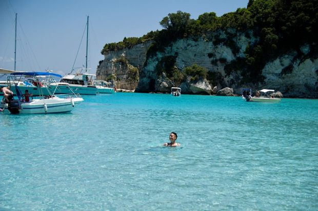 anti paxos - Voutoumi beach